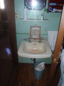 工事前洗面所
